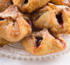 macro shot of delicious jam cookies