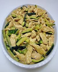 petto di pollo con zucchine al curry