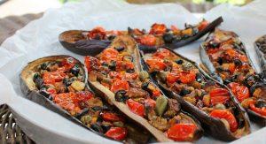Melanzane capperi olive e pomodorini
