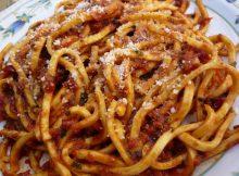 spaghetti con ricotta salsiccia e zafferano