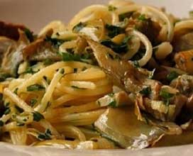 spaghetti ai carciofi e acciughe